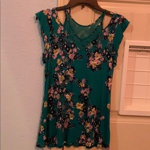 Maurice's Soft Off Shoulder Tee Green Floral XS